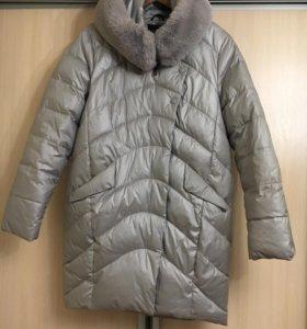 Красивый фирменный пуховик/пальто 48-50 р