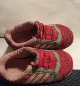 Кроссовки 23 р-р adidas