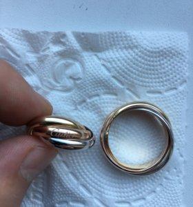 Новое золотое кольцо Cartier trinity 585 пр