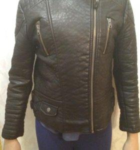 Куртка Zara на девочку.