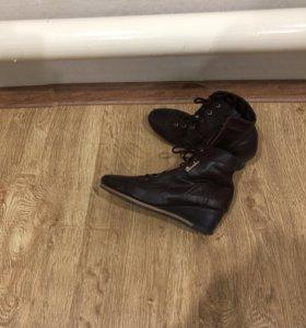 Ботинки тёплые 40 размер