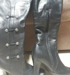 Кожаные сапоги