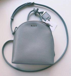 Сумка через плечо в виде рюкзака от DKNY