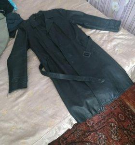 Плащи(кол-во 2)+ куртка в подарок