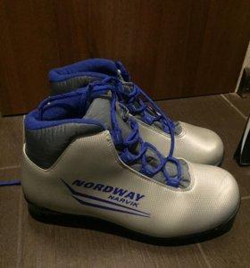 Ботинки лыжные Nordway на 37 р.