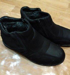Ботинки 42 разм