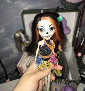 «Monster High» Скелита, Скариж
