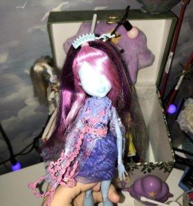 «Monster High» Киёми Хонтерли