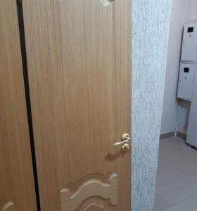 Двери межкомнатные б/у - 6 штук