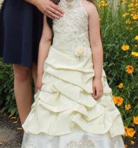 Праздничное платье на 7-8 лет