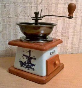 Кофемолка ручная металлическая чаша MAYER & BOCH