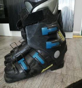 Лыжные ботинки 42 р-р