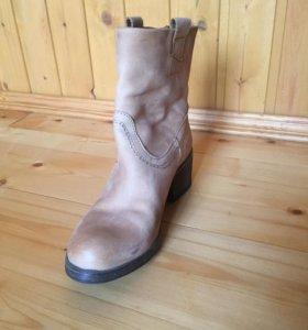 Новые ботинки Bata