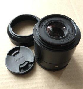 Объектив Sigma Art 60 mm