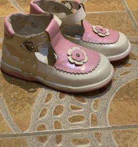 Туфельки для девочки новые Котофей