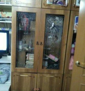 Продам шкаф со стеклом