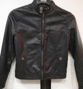 Куртка кожаная новая не ношеная для мальчика