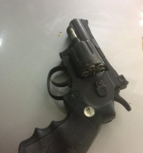 Пневматический пистолет Glether