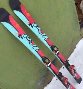 Лыжи горные с ботинками