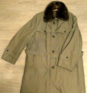 Новое пальто зимнее. Румыния. Мех натуральный.