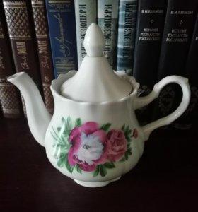 Новый чайник фарфор
