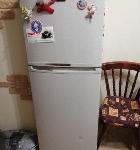 Холодильник Самсунг б/у