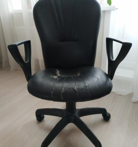 Стул компьютерный, кресло