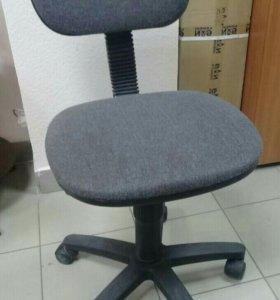 Офисное кресло б/у 4шт.