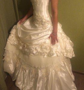 Свадебное платье. Пр-во Италия. Цвет шампань.