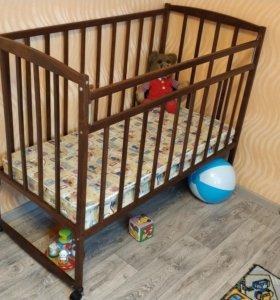 Кроватка детская новая.