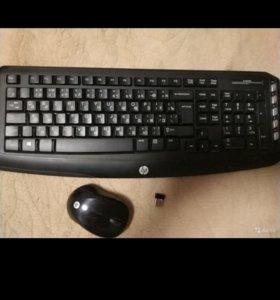 Клавиатура беспроводная с мышью и ключом