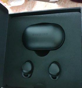 Беспроводные наушники,Gear IconX на Samsung