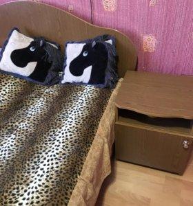 Тумбы прикроватные с кроватью
