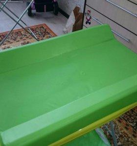 Пеленальный стол с анатомической ванночкой