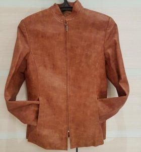 Продам кожаную куртку в идеальном состоянии