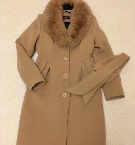 Пальто женское, 42 р