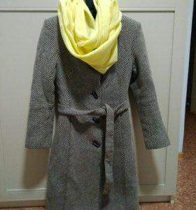 Пальто зимнее с воротником-стойкой