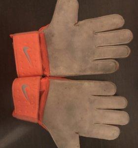 Вратарский перчатки