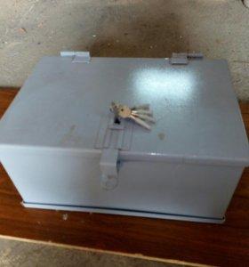 Сейф металлический, размер 250×350×500