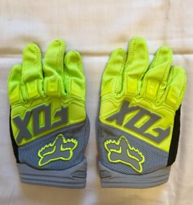 Детские перчатки для вело и мото спорта.