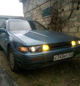 Nissan Cefiro, 1990