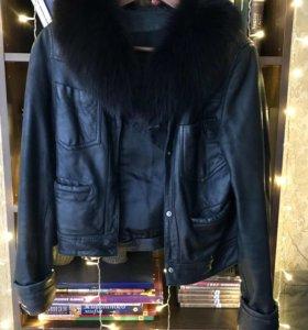 Теплая кожаная куртка с натуральным мехом