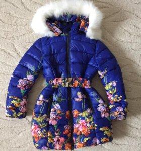 Зимняя куртка на синтепоне для девочки.