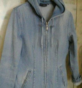 Куртка джинсоаая