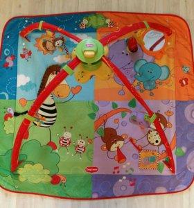Коврик и игрушки(погремушки )