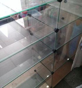Стеклянные кубы-витрины