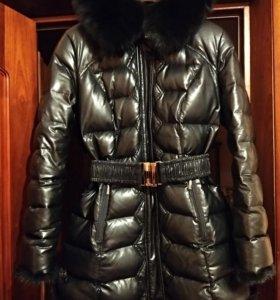 Пальто зимнее кожаное женское р.48-50.