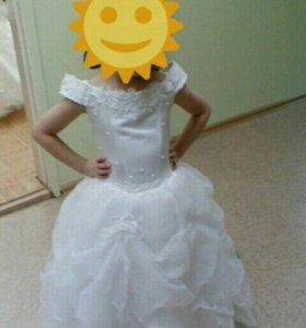 Праздничное платье,фиксируется одевали 2раза