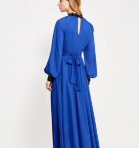 Новое платье, Италия