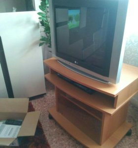 Телевизор LG с DVD LG и тумбой